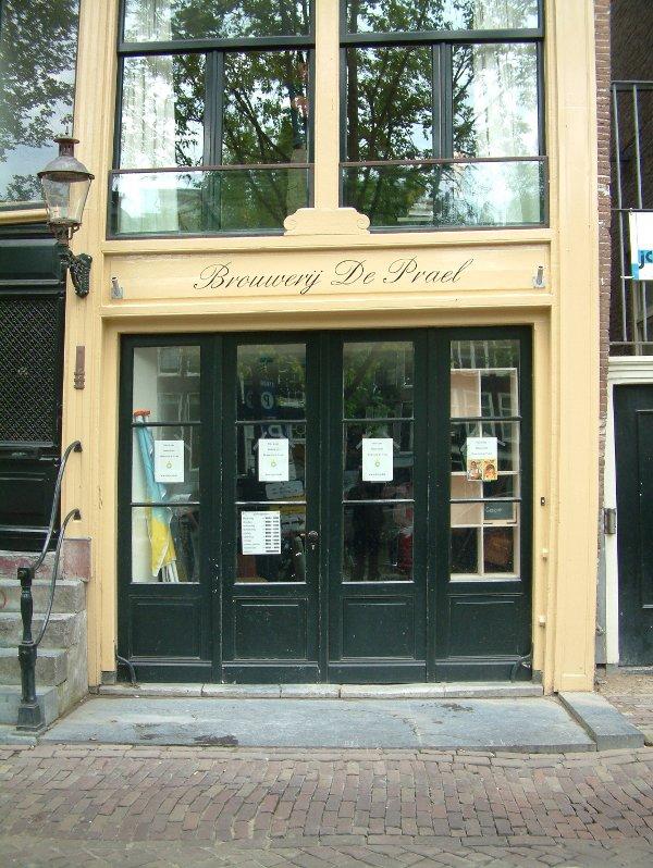 A grand entrance: De Prael