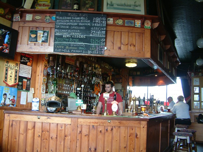 Quiet Saturday: the bar in The Whalebone