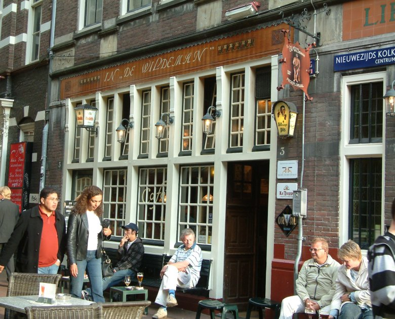 In and out: in front of De Wildeman