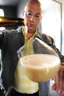 Struise Brouwers, Sturdy Brewers, Belgium, Belgian beer, beer, black albert, pannepot, carlo grootaert