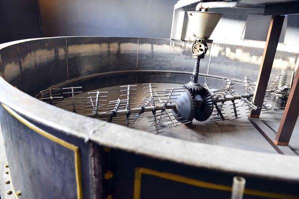 Liefmans Brewery Equipment, Stirring Barrel & Hopper