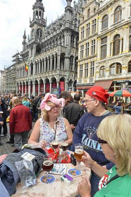 Pink elephants and gnomes meet in Brussels