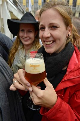 Women and beer… Here pictured with a Bush Ambrée from Dubuisson