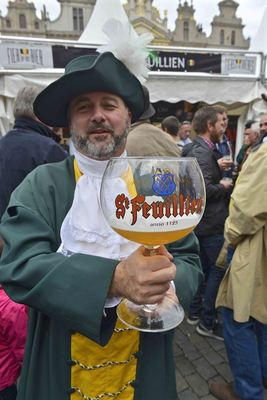No limit for the 'Confrères de St-Feuillien' (brotherhood of St-Feuillien beer lovers)
