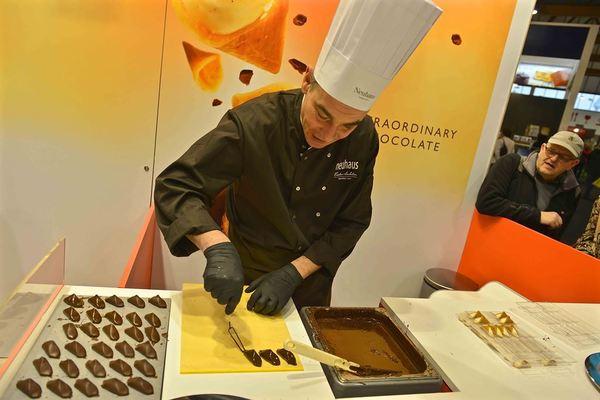 How they make Belgian chocolate