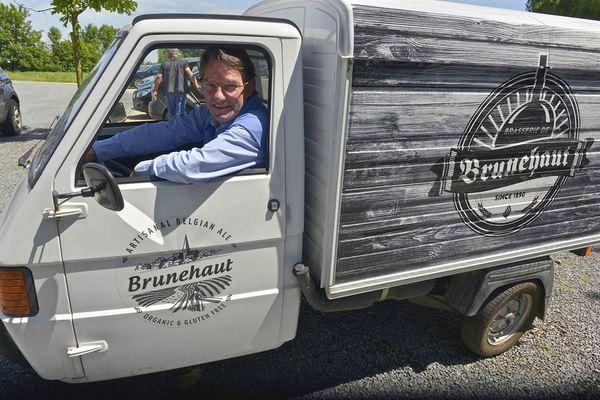 Brasserie De Brunehaut, organic and gluten free beer, delivery van