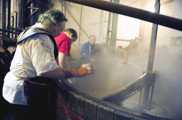 bij de brouwer, brewing, brewers, brewing process, belgian beer