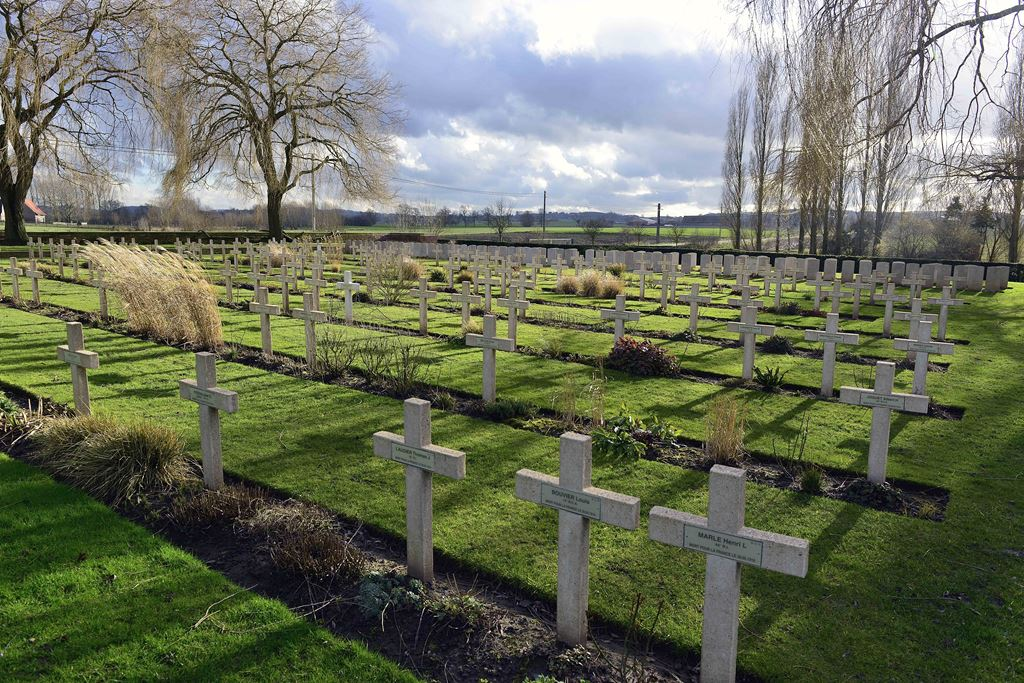 Lijsenhoek Cemetary, In Flanders fields