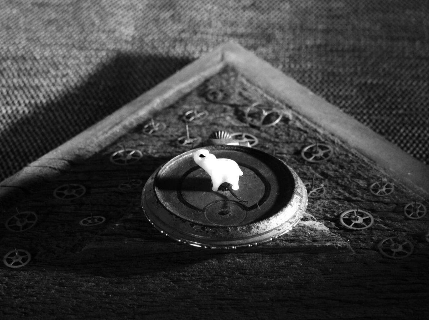 "Obra: ""El poder de la profecía"" de la serie Desaprehender."