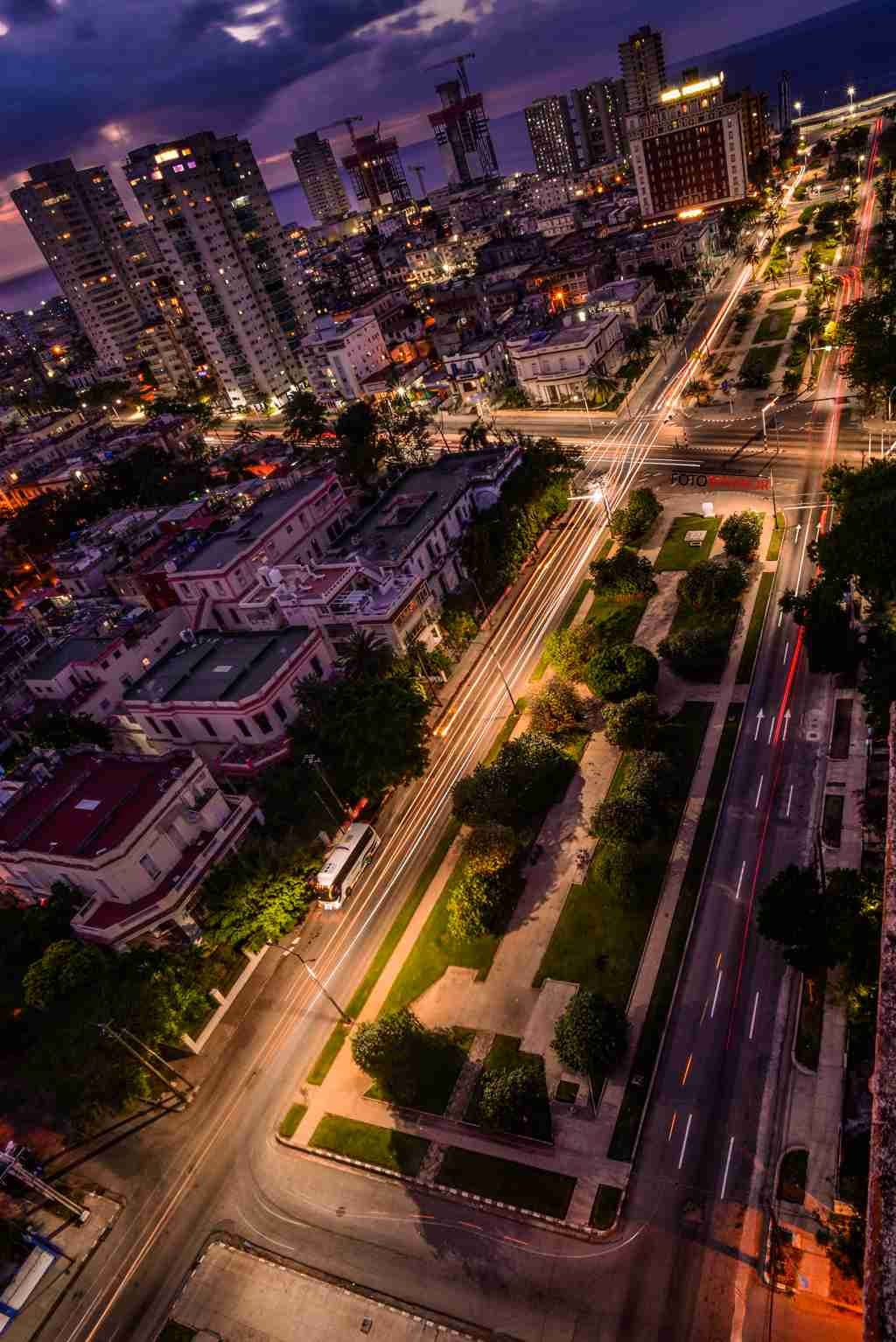 Obra: Luces de la Ciudad