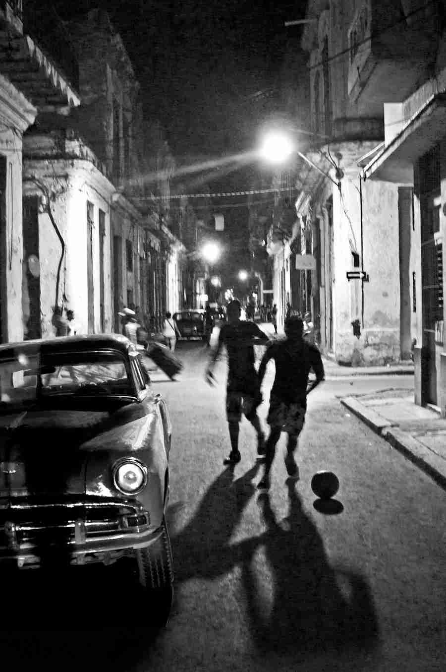 Obra: Jugando con la noche