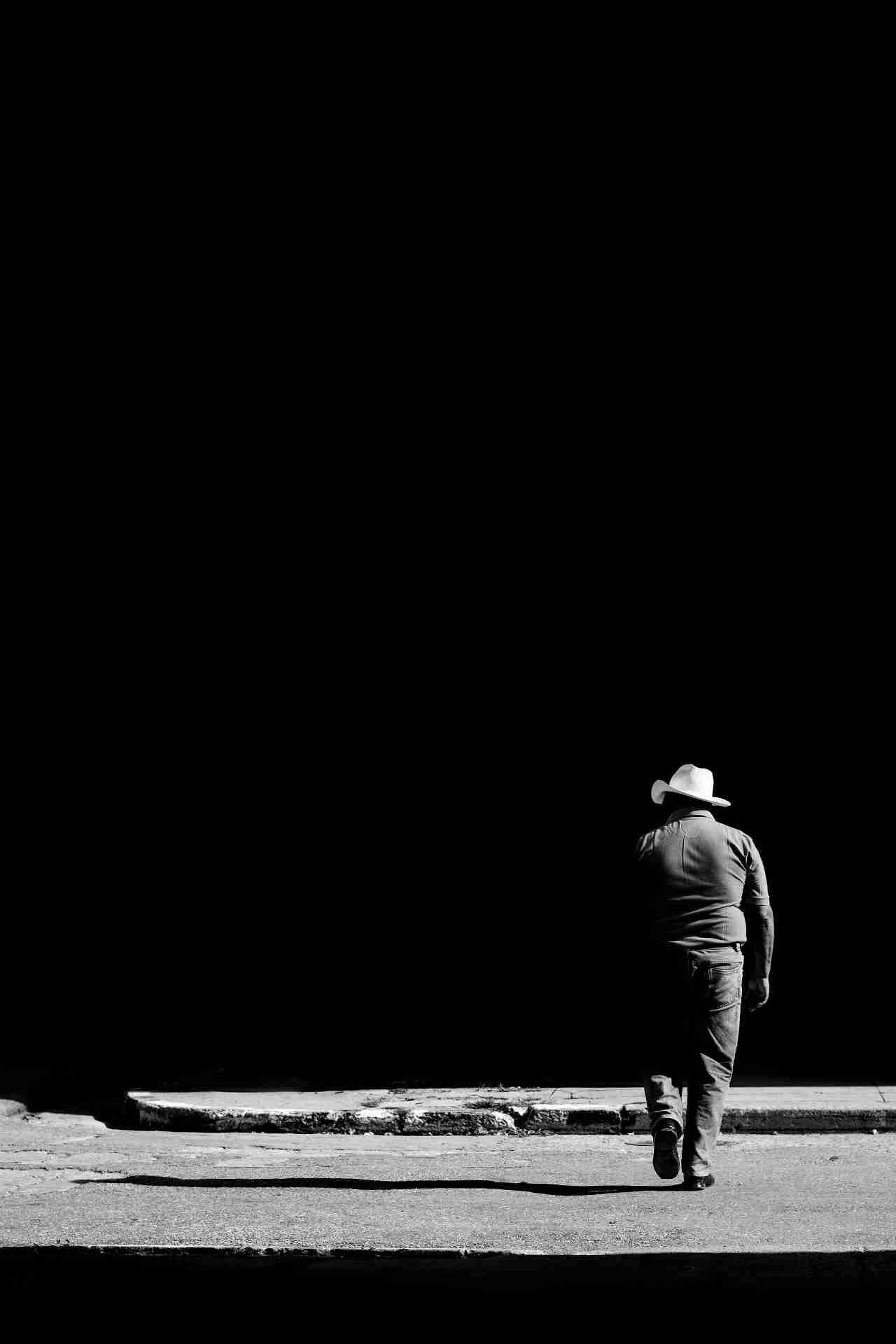 Obra: Sombrero blanco