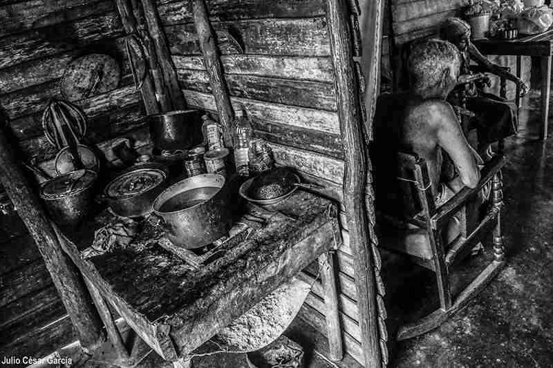 Obra: Campesinos felices. De la serie: Ciénaga adentro