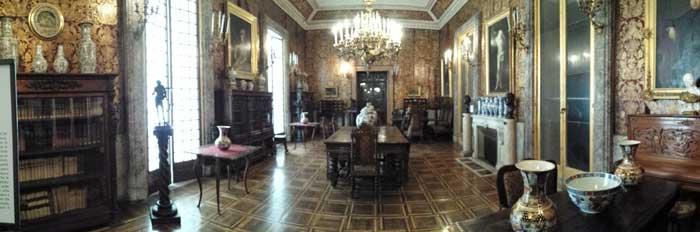 Villa Pignatelli, Naples