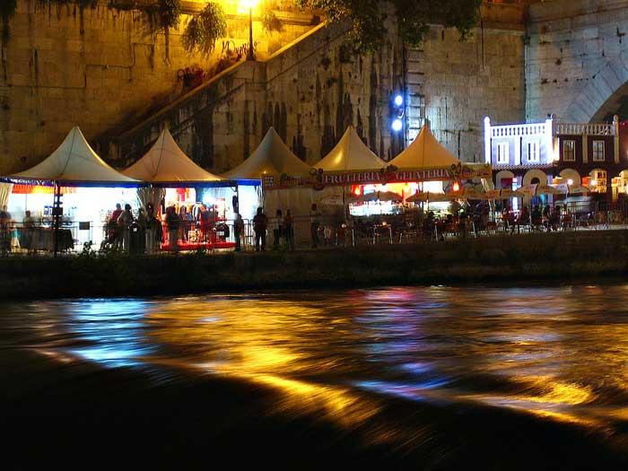 Tiber Stalls, Trastevere