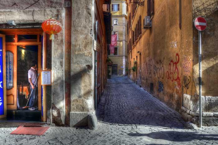 Vicolo del Babuccio Street, Trevi