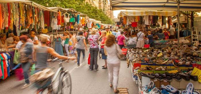 Market in Oggiaro, Northwest Milan, Lombardia