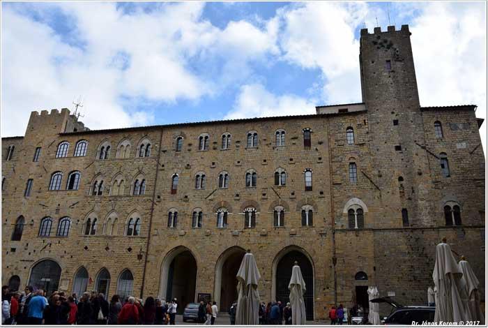 Piazza dei Priori, Volterra, Toscana, Italy