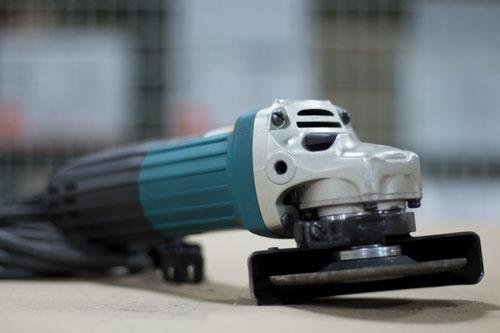 Handheld grinder