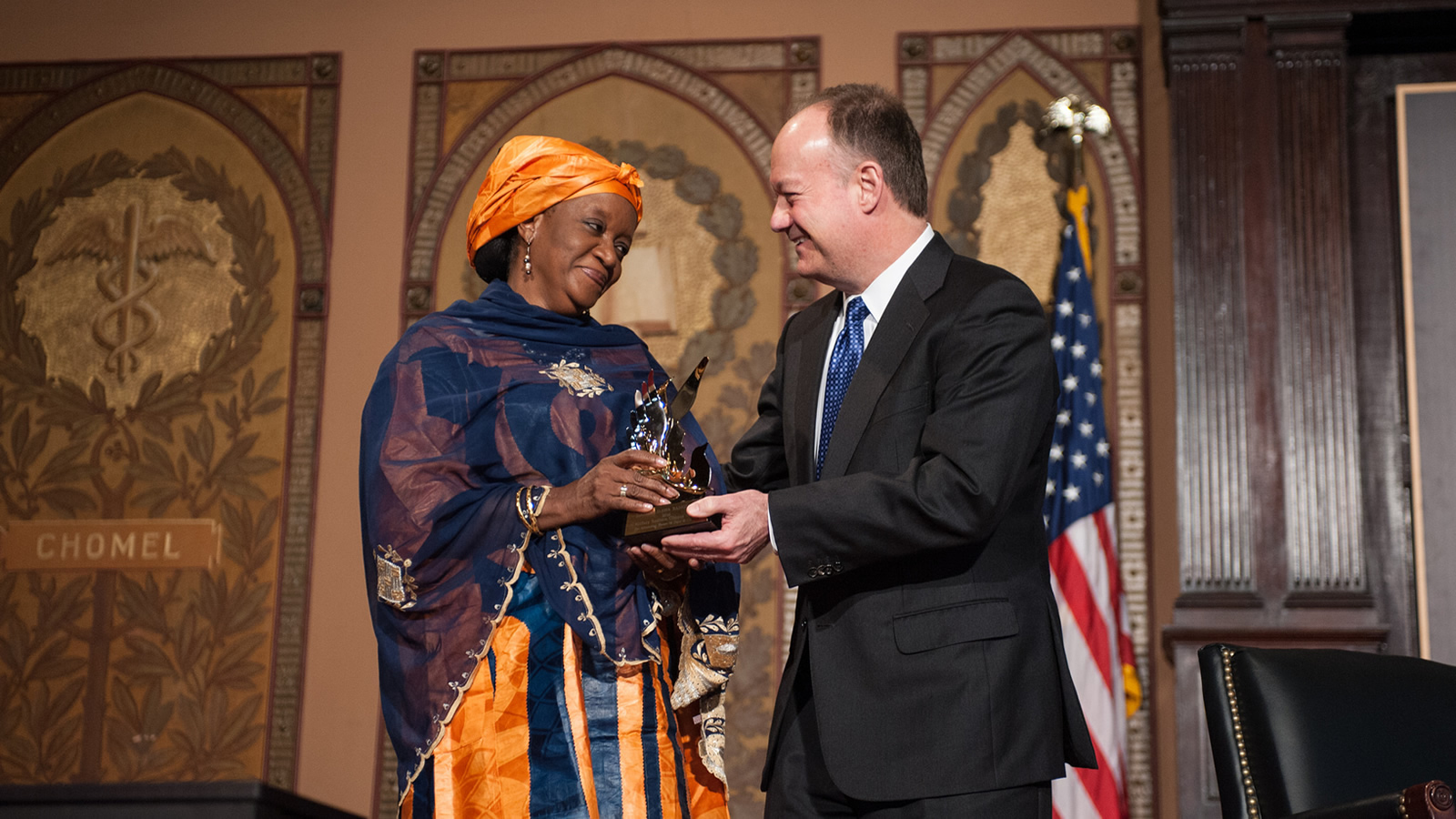 John J. DeGioia presents Bangura with the 2016 Hillary Rodham Clinton Award for Advancing Women in Peace and Security.
