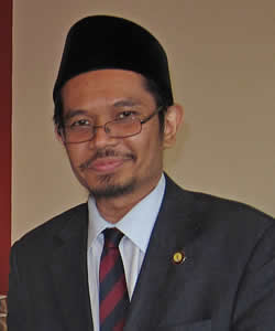 Afifi al-Akiti headshot
