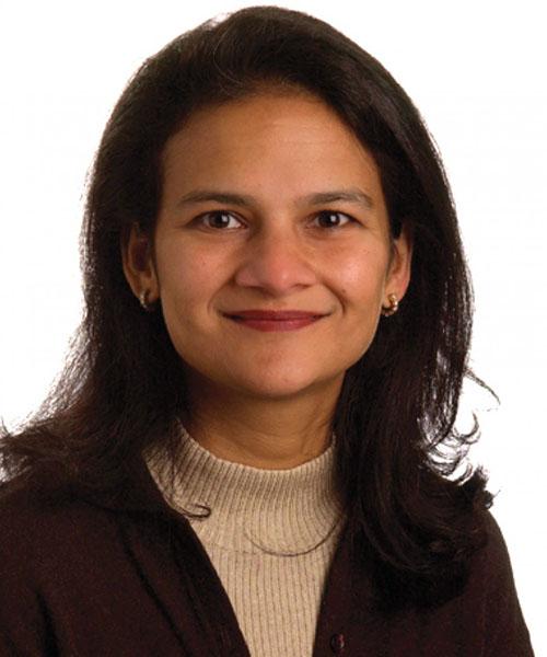 Asma Lateef headshot
