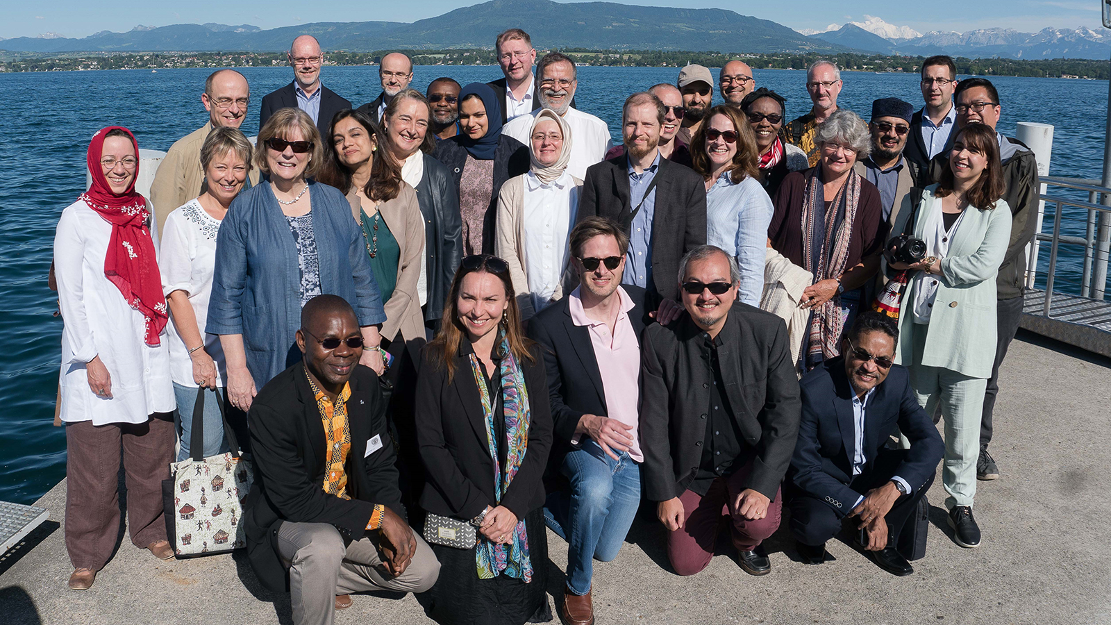 Building Bridges Seminar 2019 participants at Lake Geneva in Switzerland