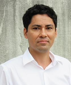 Carlos Martínez Ruiz headshot