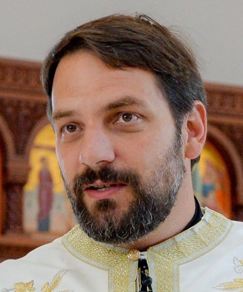 Constantine Lazarakis headshot