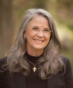 Deborah Dortzbach headshot