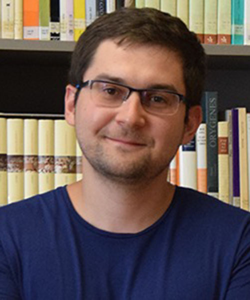 Dmitry Uzlaner headshot