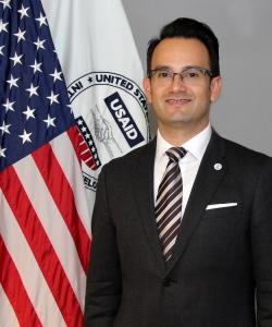 C. Eduardo Vargas headshot