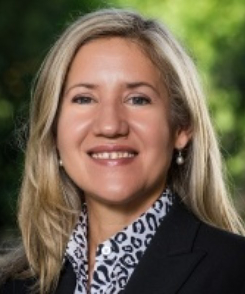 Elaine Padilla headshot