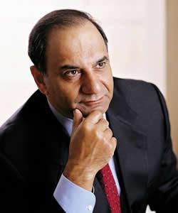 Farooq Kathwari headshot