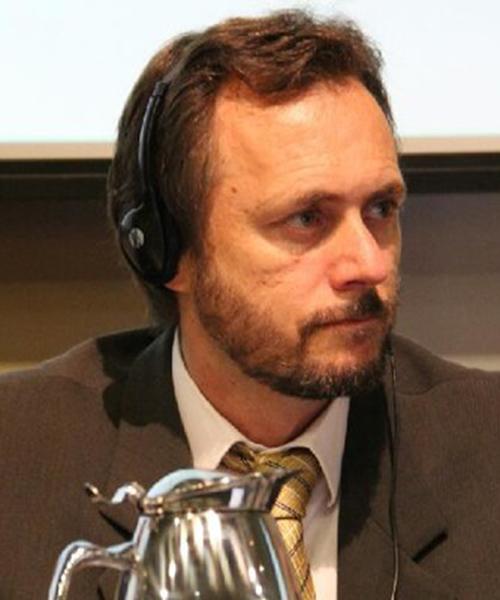 Federico Agusti headshot
