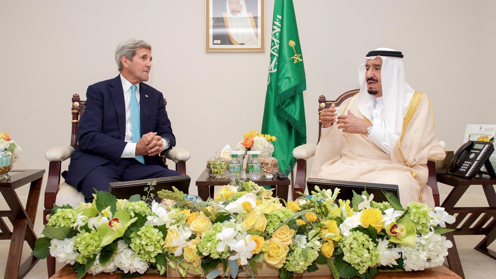 John Kerry and King Salman bin Abdul Aziz Talking