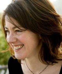 Laura Nix headshot