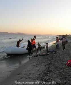 Migrantsgreekbeachraftseptember2015