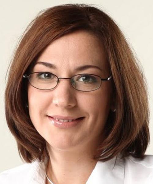 Oksana Kulakovska headshot