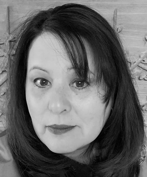 Paula Arai headshot