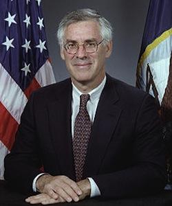 Richard Danzig headshot