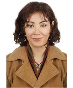 Roksana Bahramitash headshot