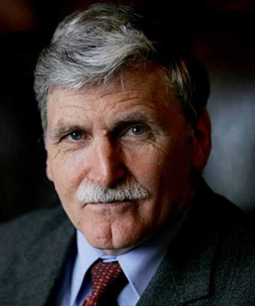 Roméo A. Dallaire headshot