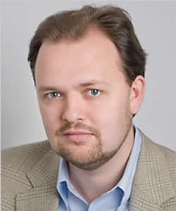 Ross Douthat headshot