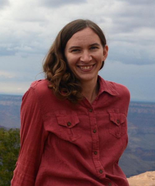 Sara Larson headshot