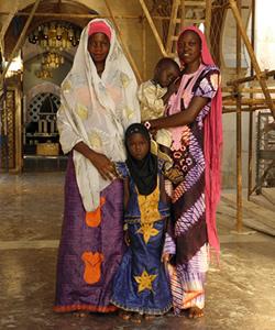 Senegaltoubamosquewomenchildrenscaffolding