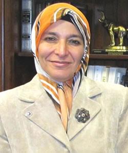 Zainab Alwani headshot