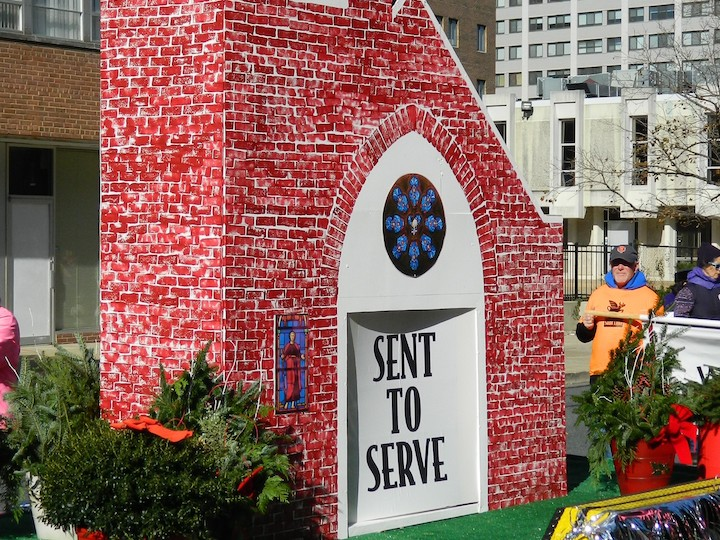 """""""Sent to Serve"""" float from St. Luke Church in a parade"""