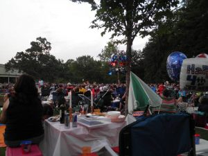 Tanglewood audience July 4th James Taylor concert.