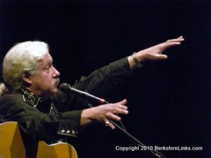 Arlo Guthrie in concert at the Colonial Theatre Pittsfield.